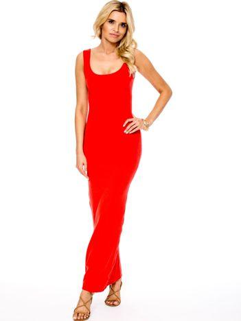 Koralowa dopasowana sukienka maxi