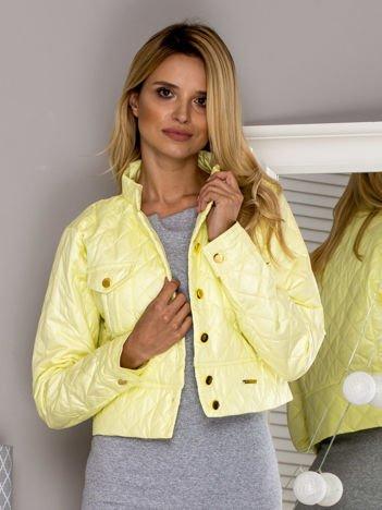 Krótka pikowana kurtka na guziki żółta