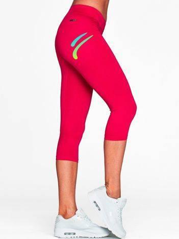 Krótkie legginsy na siłownię z kolorowym logo fuksjowe