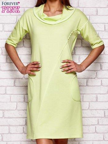 Limonkowa sukienka dresowa z szerokim kołnierzem