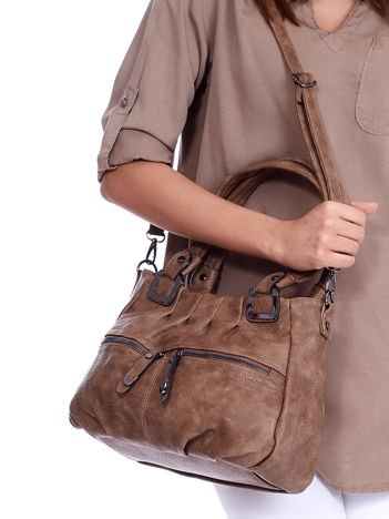Mała brązowa torebka na ramię z suwakami