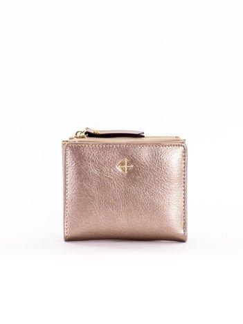 Mały złoty płaski portfel damski
