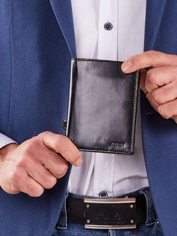 Męski czarny pionowy portfel