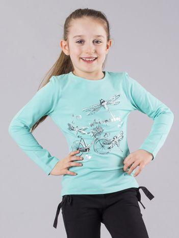 Miętowa bluzka dziewczęca z nadrukiem i perełkami