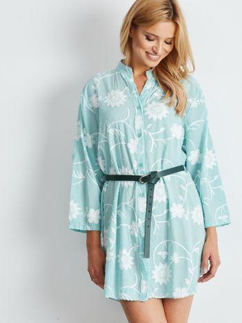 Miętowa haftowana sukienka