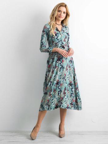Miętowa sukienka midi w kwiaty