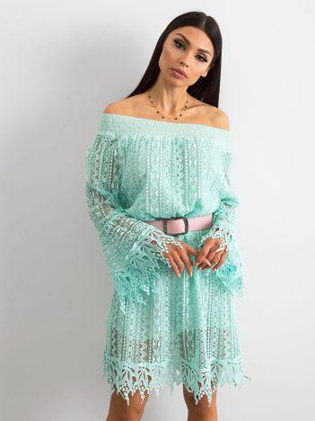 Miętowa sukienka z koronki