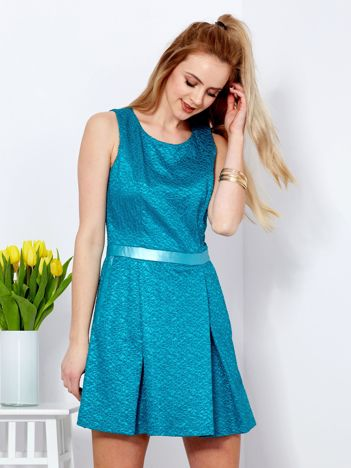 Morska rozkloszowana sukienka ze skórzanymi wstawkami