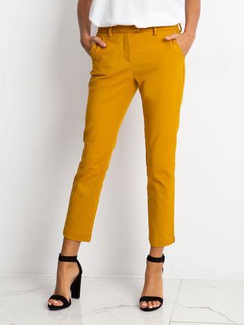 Musztardowe spodnie Classy