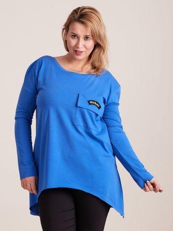 Niebieska asymetryczna bluzka z kieszenią PLUS SIZE