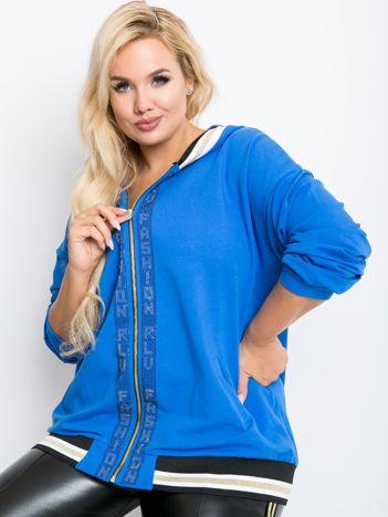 Niebieska bluza plus size Canva