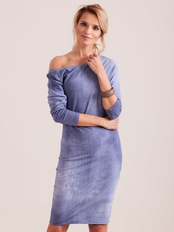Niebieska prosta sukienka
