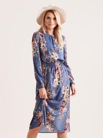 Niebieska sukienka midi w kwiaty