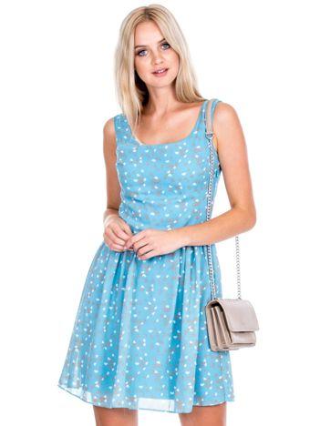 Niebieska sukienka w serduszka