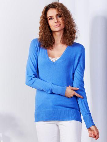 Niebieski sweter V-neck
