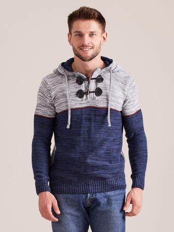 Niebieski sweter męski z kapturem