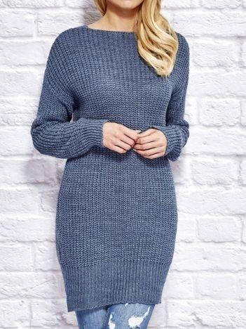 Niebieski sweter z wiązaniem