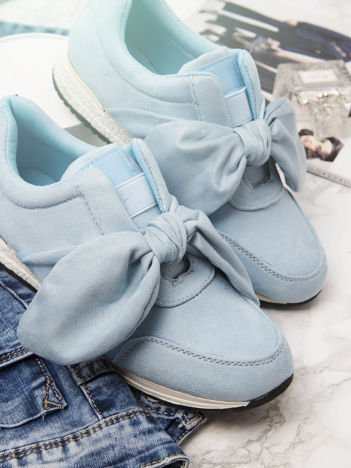 Niebieskie buty sportowe z ozdobną kokardką na sprężystej podeszwie ze złotą wstawką na pięcie