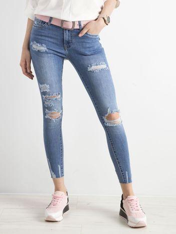 Niebieskie dżinsowe spodnie skinny