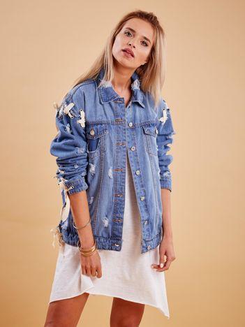 Niebieskie jeansowa kurtka z przedarciami