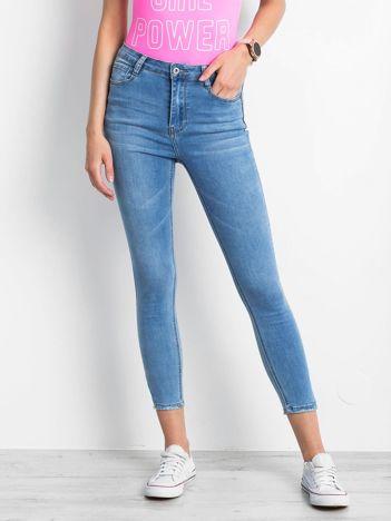 Niebieskie jeansy Throwover