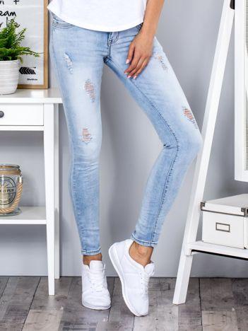 Niebieskie jeansy vintage