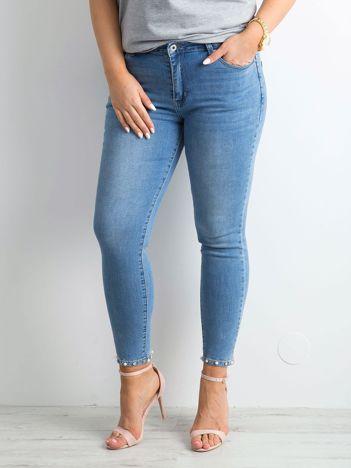 Niebieskie jeansy z aplikacjami PLUS SIZE