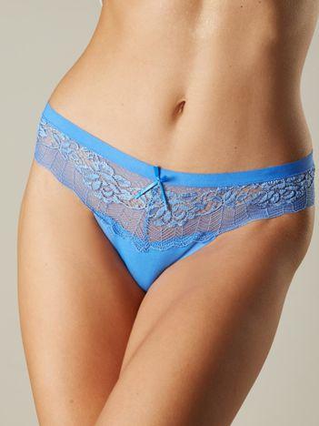 Niebieskie koronkowe stringi damskie