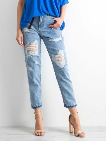 Niebieskie mom jeans Trashed