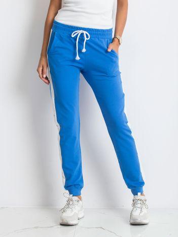 Niebieskie spodnie Carter