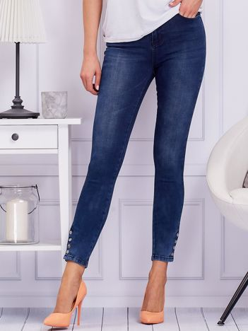 Niebieskie spodnie jeansowe skinny