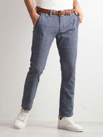 Niebieskie spodnie męskie w drobny wzór