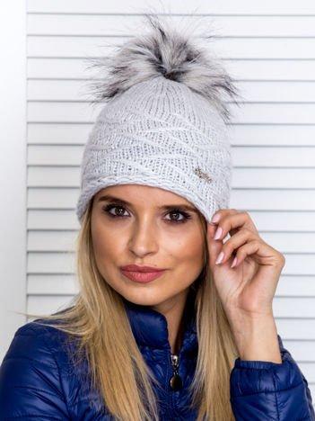 Ocieplana czapka z pomponem i błyszczącą nicią popielata