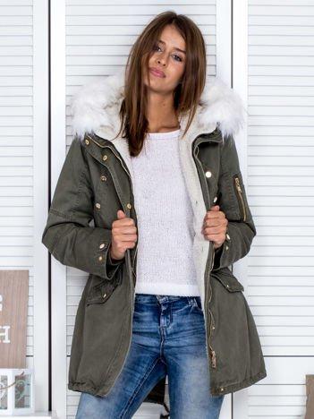 Ocieplana kożuchem kurtka parka khaki-biała