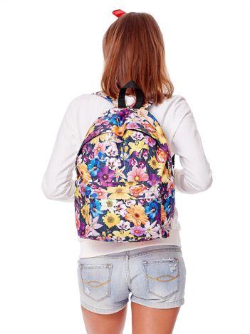Plecak w kolorowe kwiaty