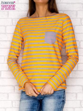 Pomarańczowa bluzka w paski z kieszonką