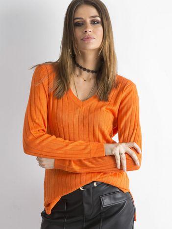 Pomarańczowy sweter z dekoltem w serek