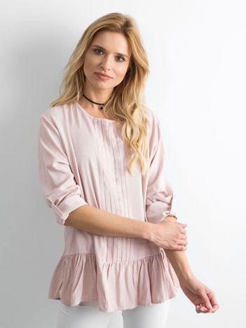 Pudroworóżowa bluzka damska z falbaną