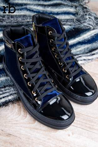 ROCCOBAROCCO granatowe welurowe sneakersy z lakierowanymi wstawkami