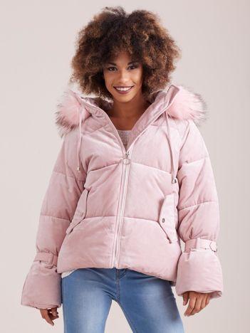 Różowa aksamitna kurtka puchowa
