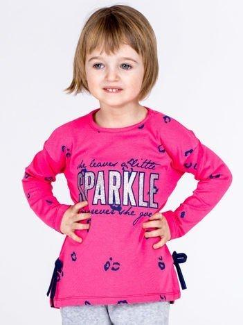 Różowa bawełniana bluzka dziewczęca z nadrukiem i kokardkami