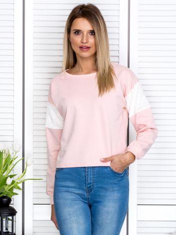 Różowa bluza z futerkowymi wstawkami na ramionach