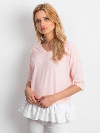 Różowa bluzka V-neck z falbaną