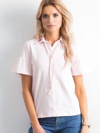 Różowa bluzka z kołnierzykiem