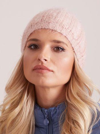 Różowa czapka zimowa