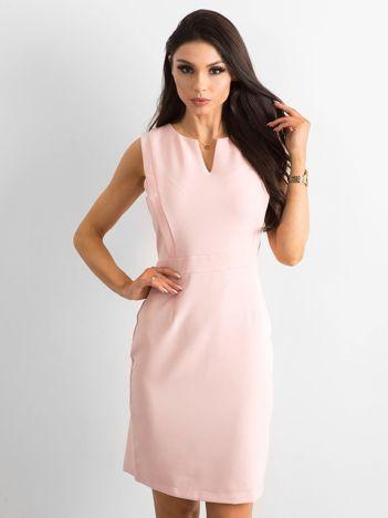 Różowa gładka sukienka koktajlowa