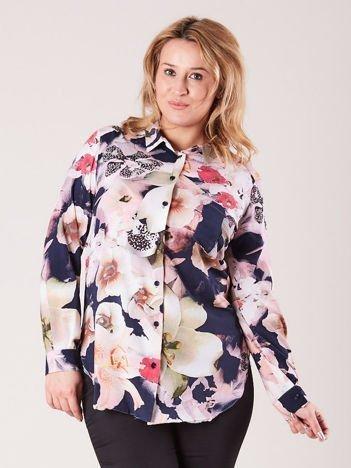 Różowa koszula damska w kwiaty PLUS SIZE