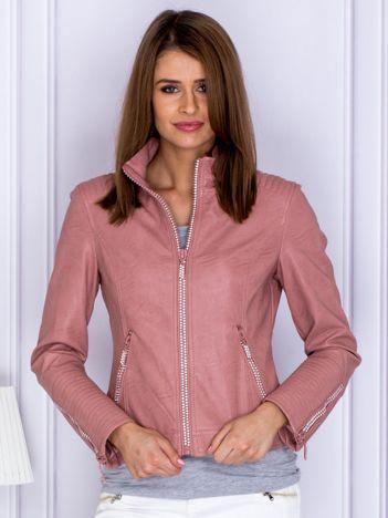 Różowa kurtka z błyszczącą aplikacją