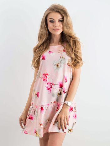 Różowa kwiatowa sukienka z wiązaniem