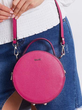 Różowa okrągła torebka ze skóry